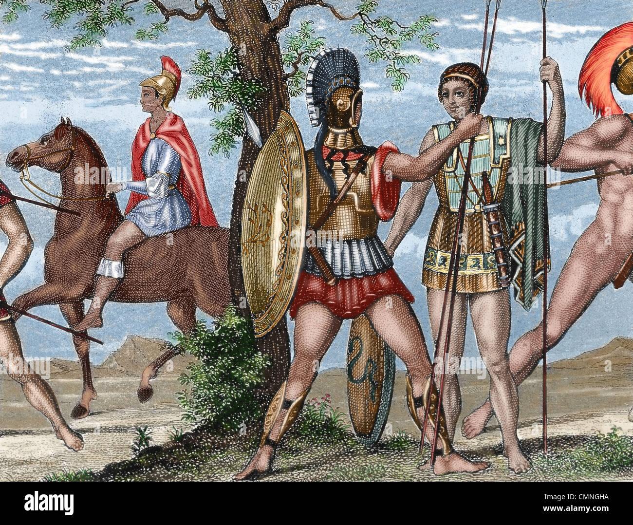 Due soldati greci. La fanteria pesante, con il casco, lo scudo e la corazza e Helots, e non protetti con giavellotto. Immagini Stock