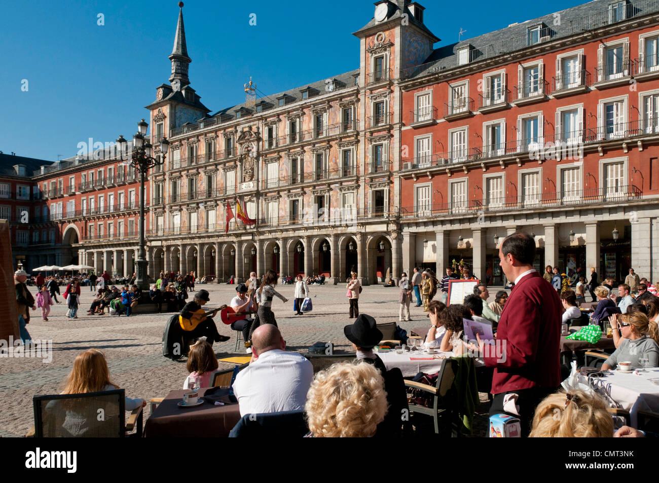 Plaza Mayor con la Casa de la Panaderia edificio, Madrid, Spagna Immagini Stock