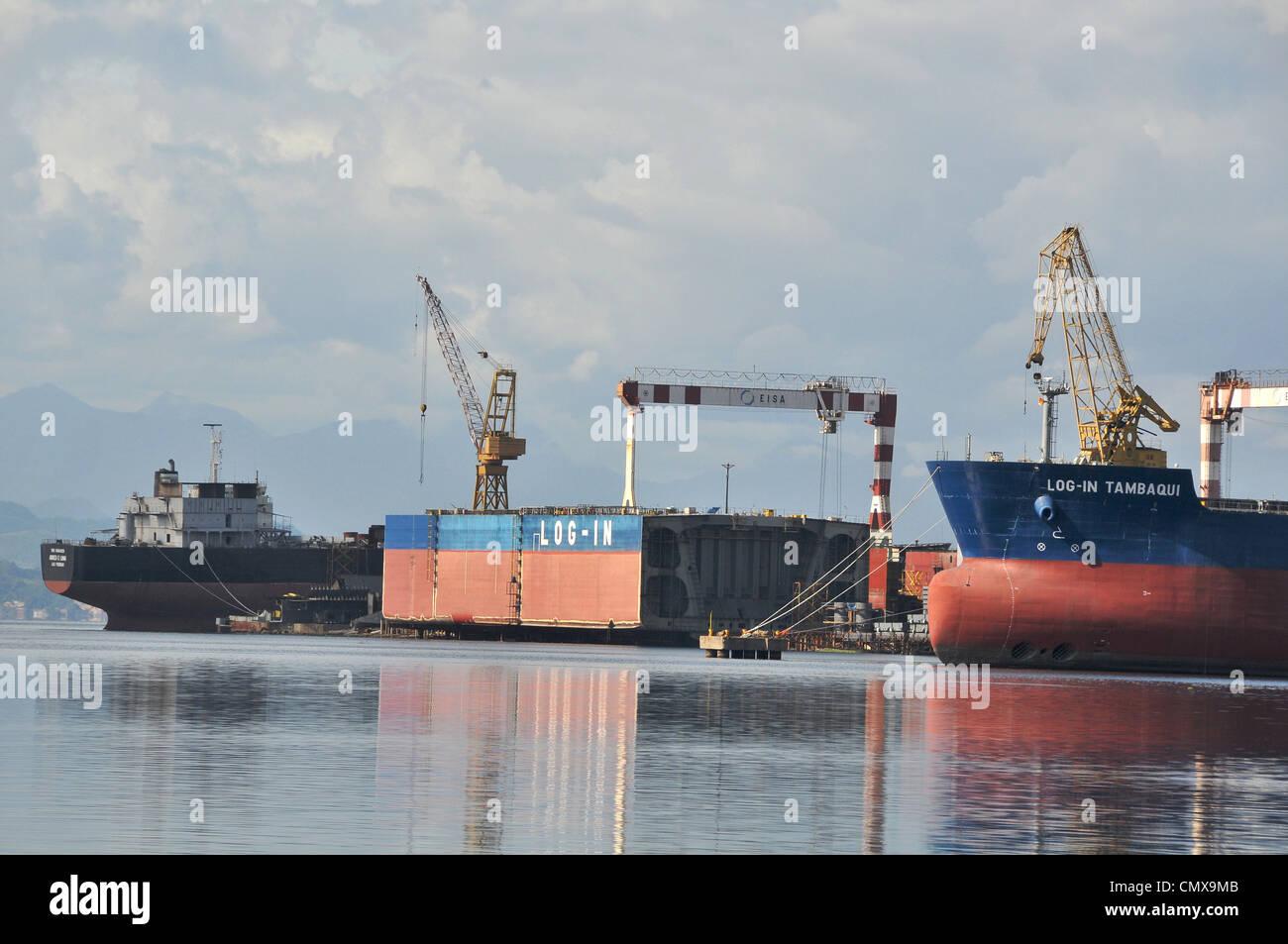 Di una nave nel corso di lavori di costruzione nel cantiere navale Estaleiro Ilha EISA Ilha do Governador Rio de Immagini Stock