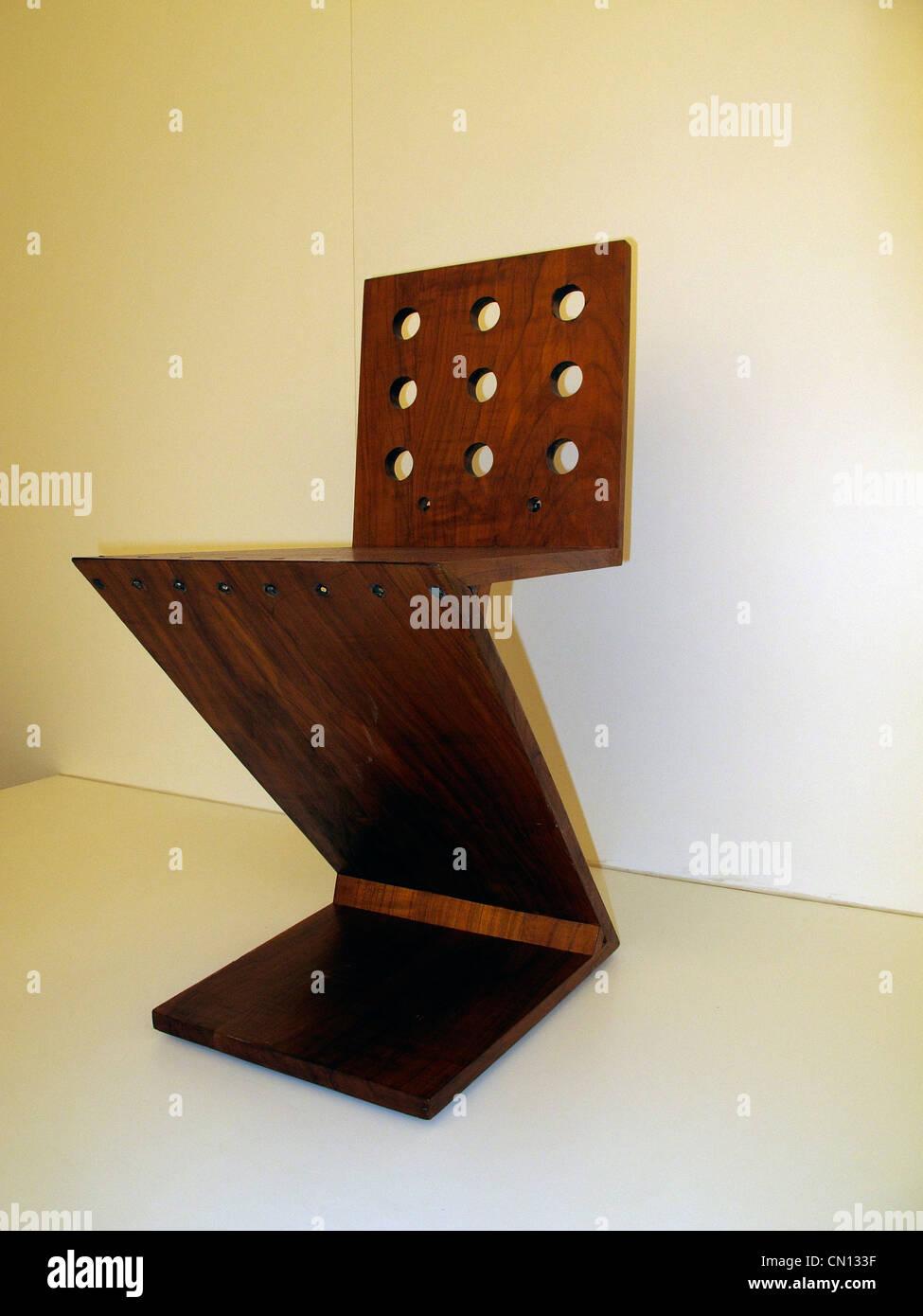 Mobili di design Pinakothek der Moderne Museo di arte moderna. British fatta sedia in legno Immagini Stock
