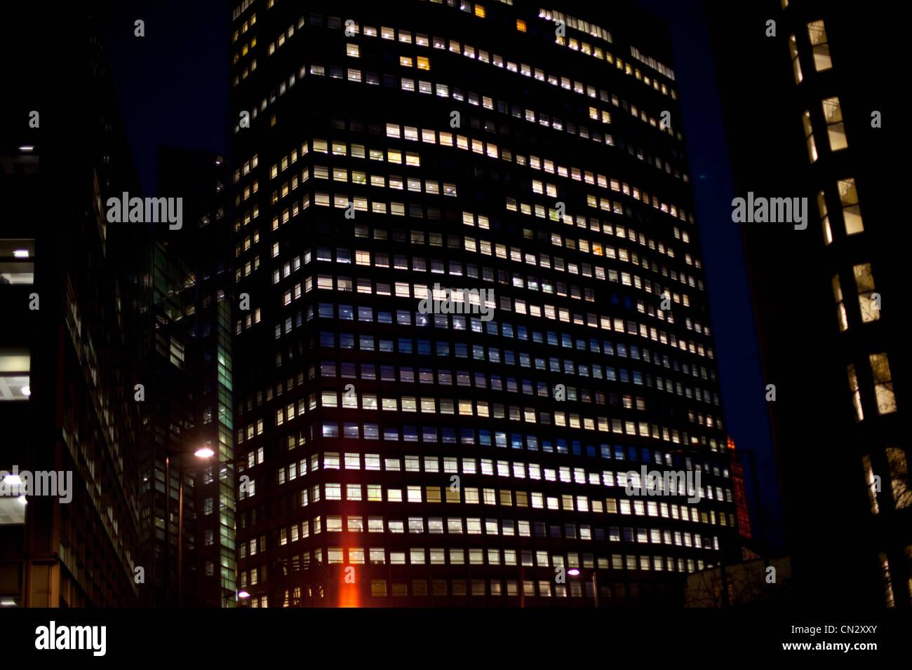 Il grattacielo di notte, Londra, Inghilterra Immagini Stock