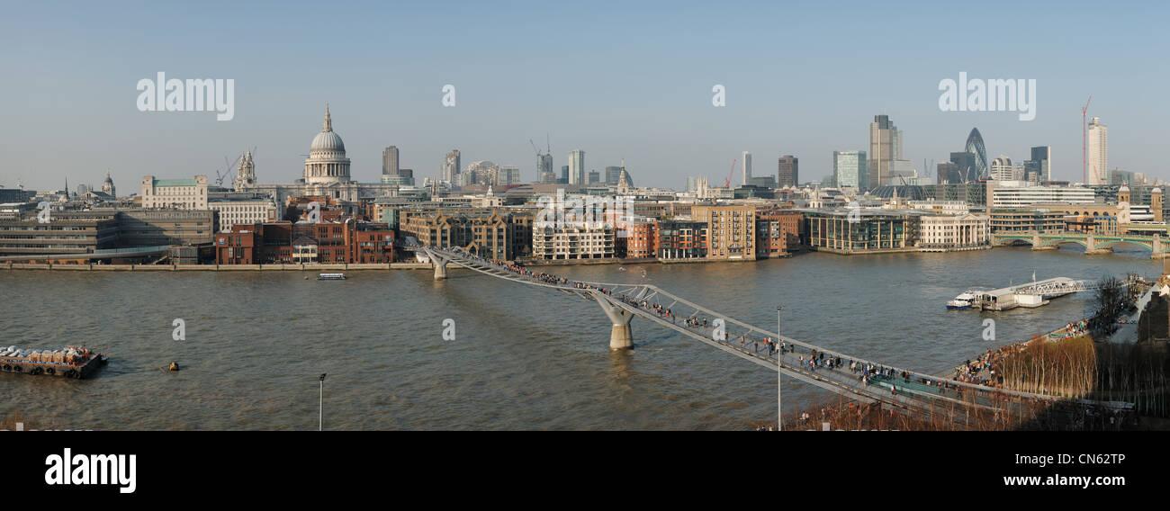 Panoramica della città di Londra e il fiume Tamigi skyline Immagini Stock