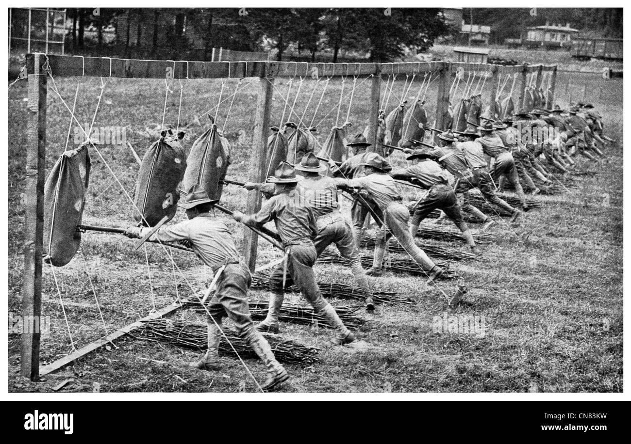 1917 Advanced trapano a baionetta per la formazione di ufficiali dello studente US Army Base Immagini Stock