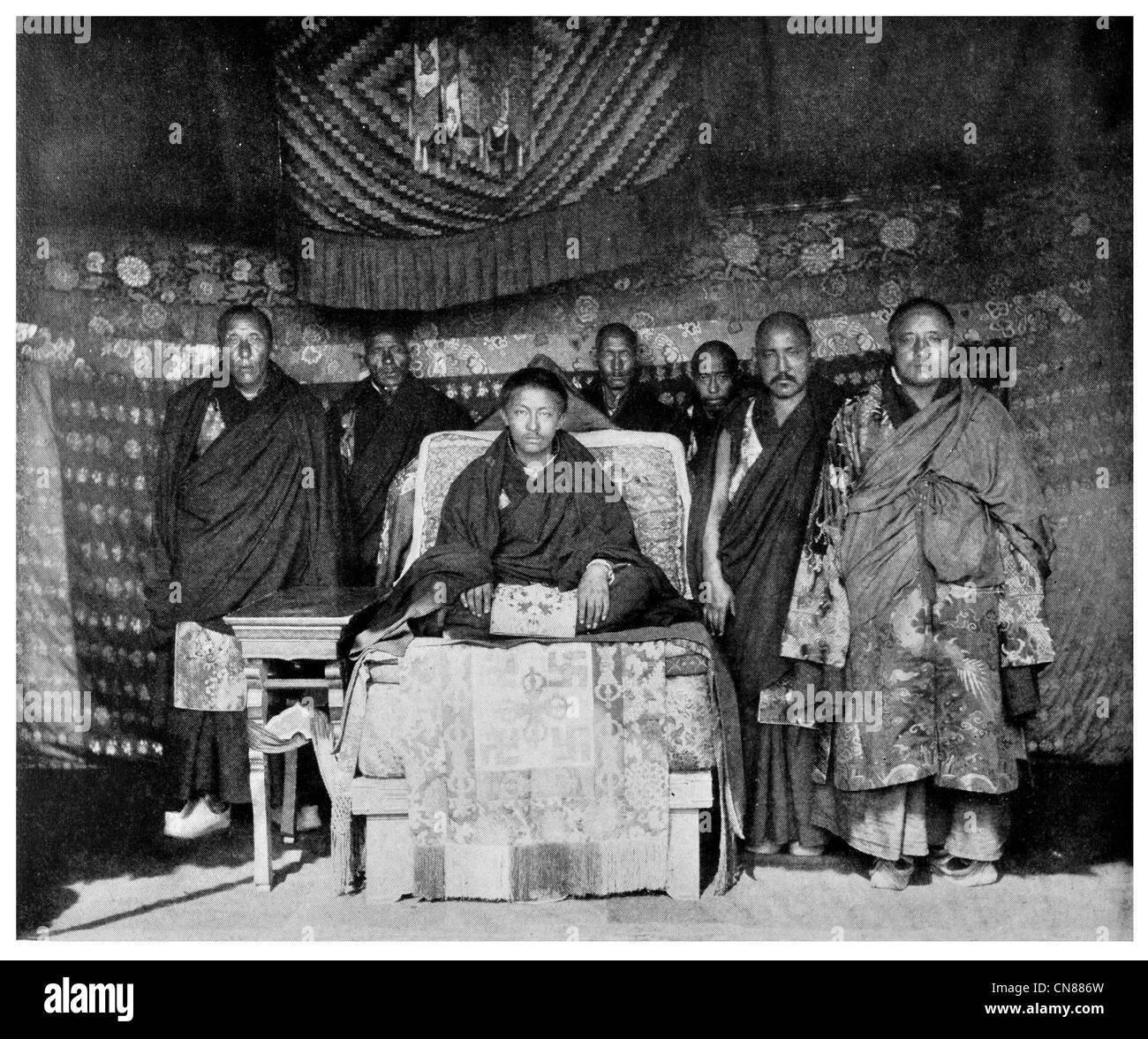 Pubblicato per la prima volta 1916 Tashi Lama ministri e seguaci Tibetani del Tibet Immagini Stock