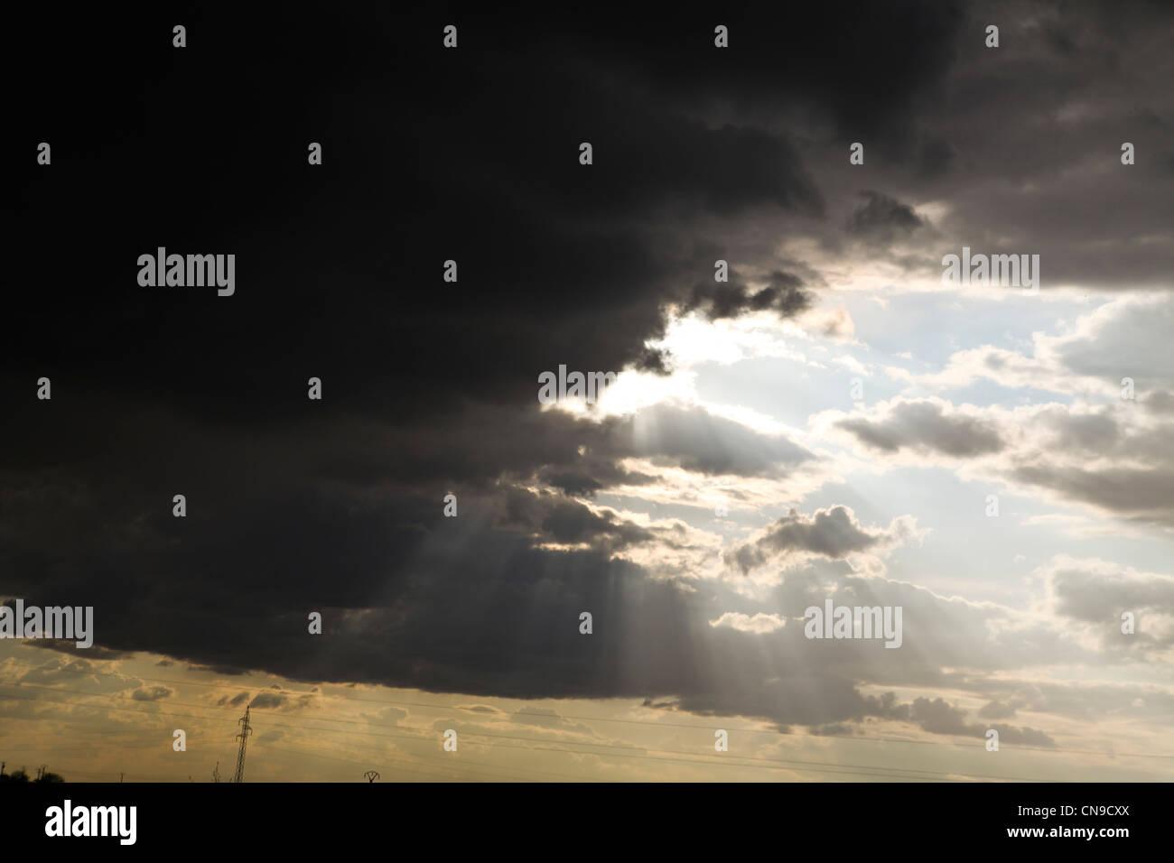 Cielo di luce nel tardo pomeriggio la natura radiance claro luz sun sol tempesta tormenta meteorologia Immagini Stock
