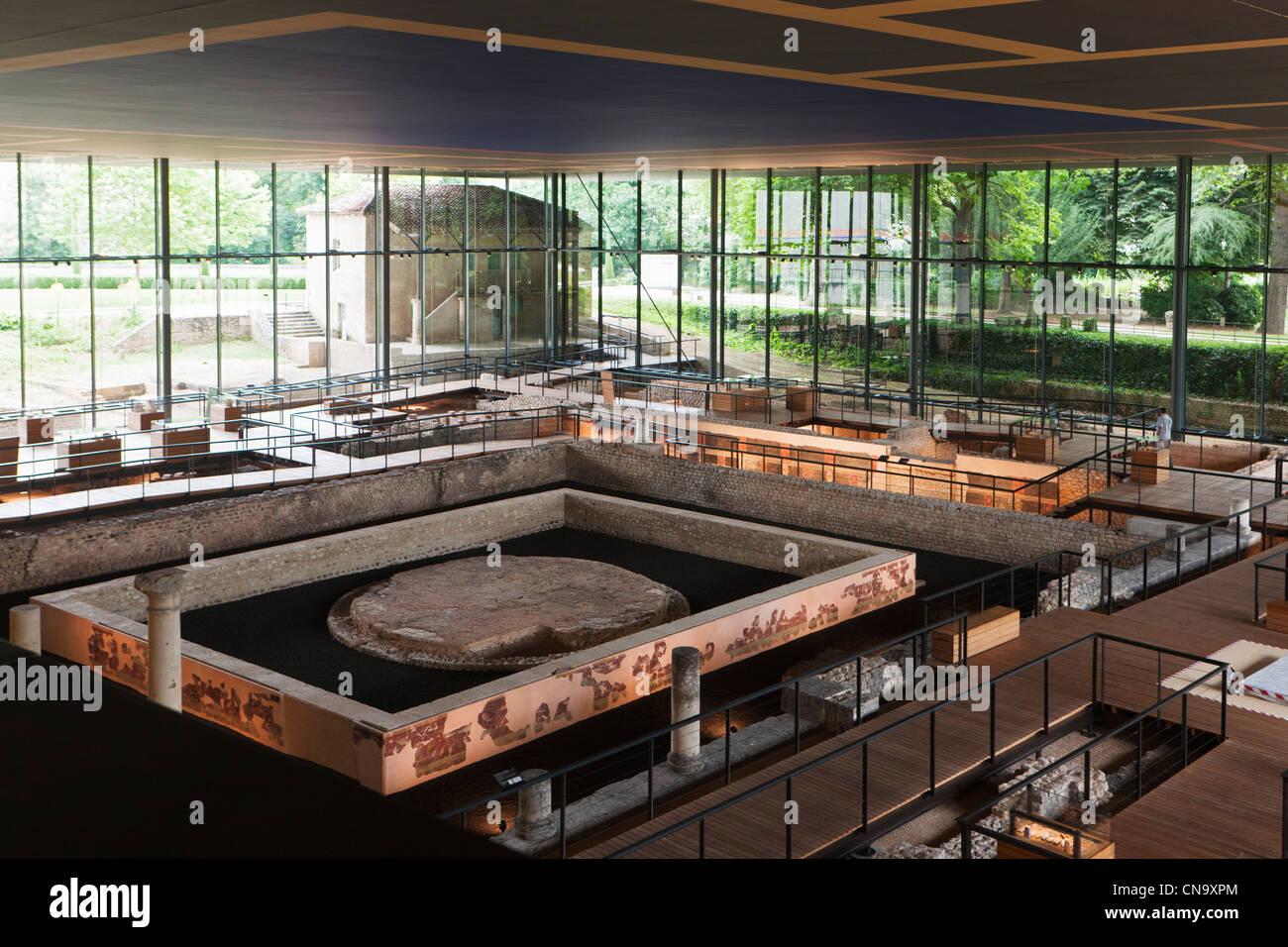 Francia, Dordogne, Perigueux, Vesuna, Gallo sito romano progettato dall architetto Jean Nouvel sottolinea, i resti Immagini Stock