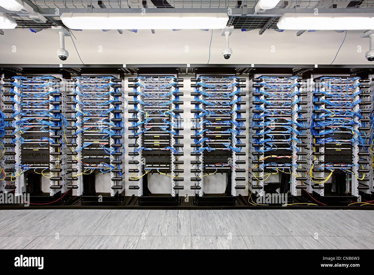 City bank hub di rete commuta i dati dei cavi di collegamento Immagini Stock