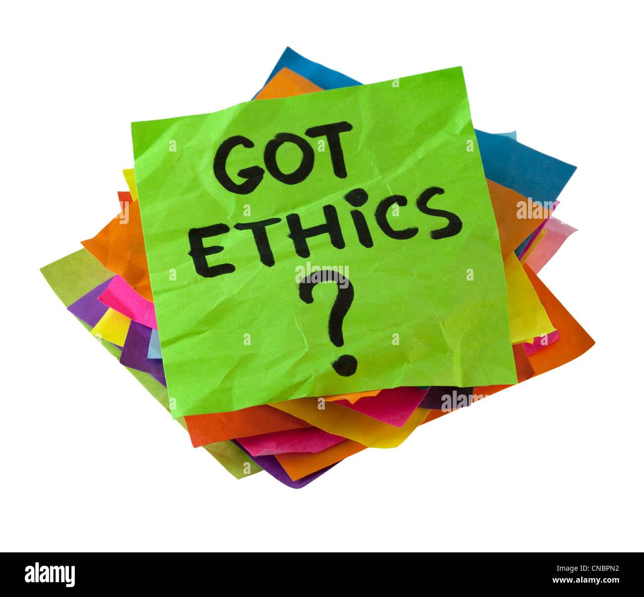 Got etica? Sei questione etica. Una pila di colorate note di promemoria isolato su bianco con percorso di clipping. Immagini Stock