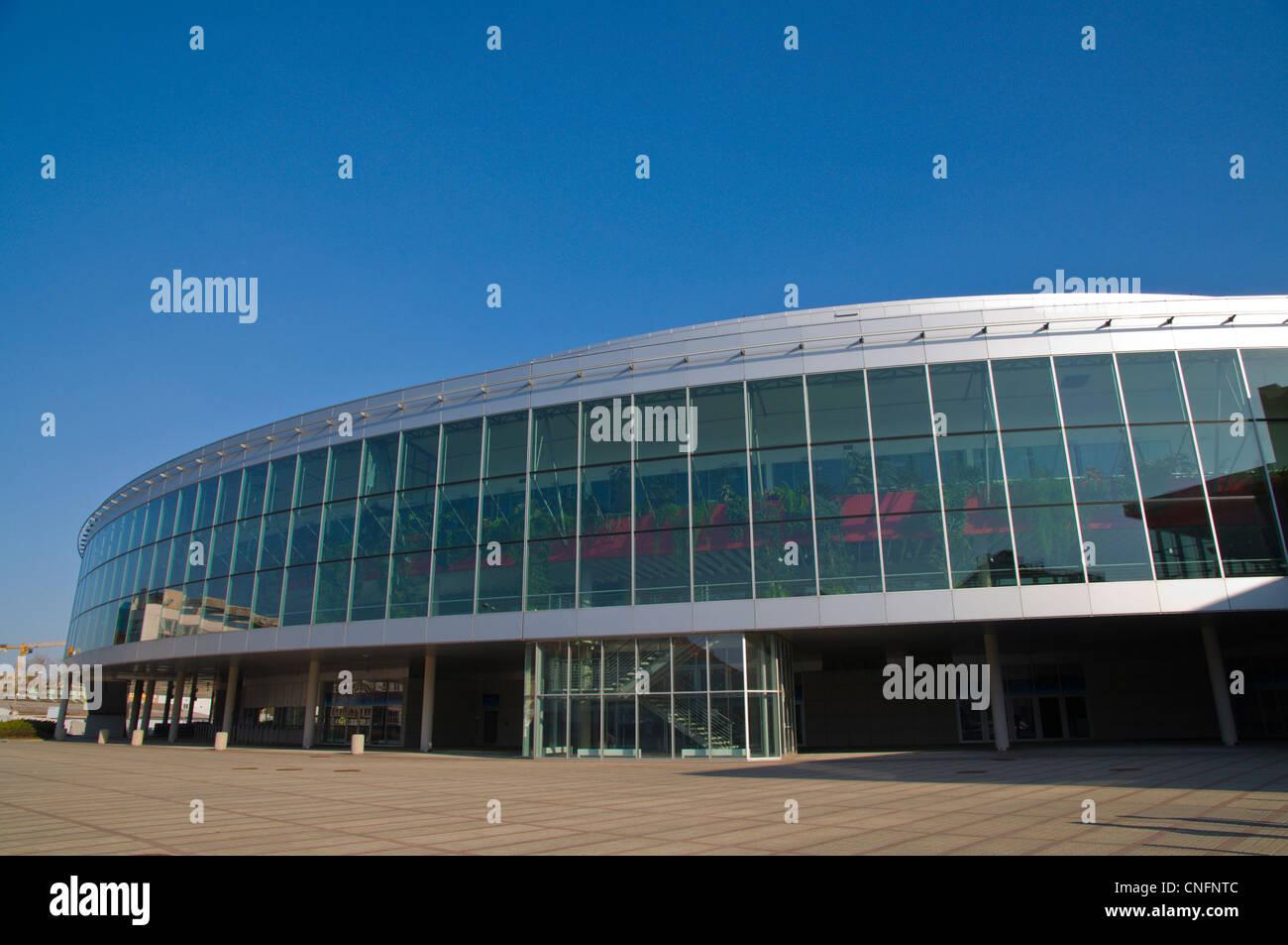 Da settembre 2012 KHL partite di hockey su ghiaccio si terrà in O2 ice hockey indoor arena Vysočany quartiere Immagini Stock