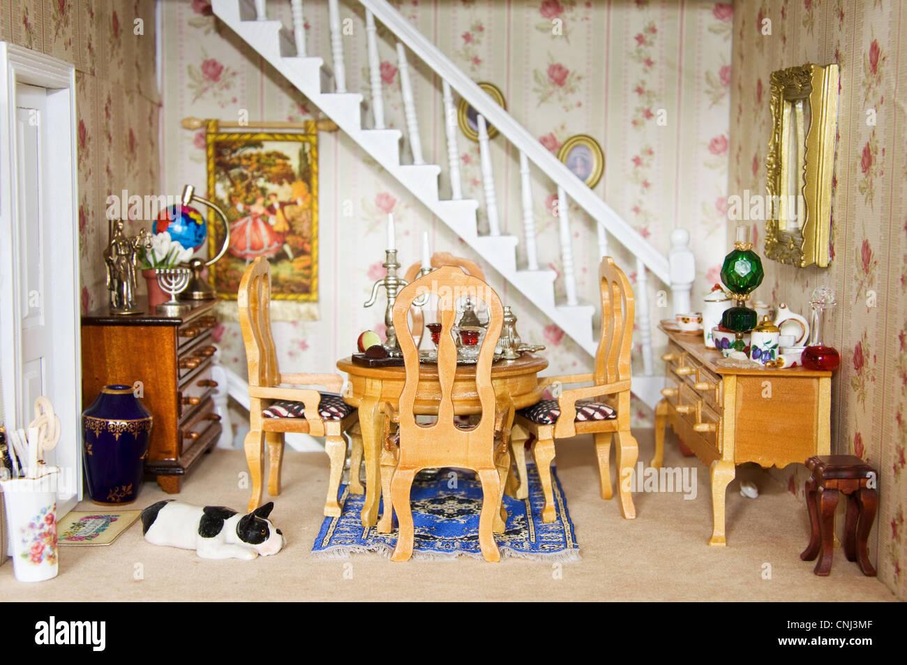 Dolls House metallo segno = LA CASA DELLE BAMBOLE