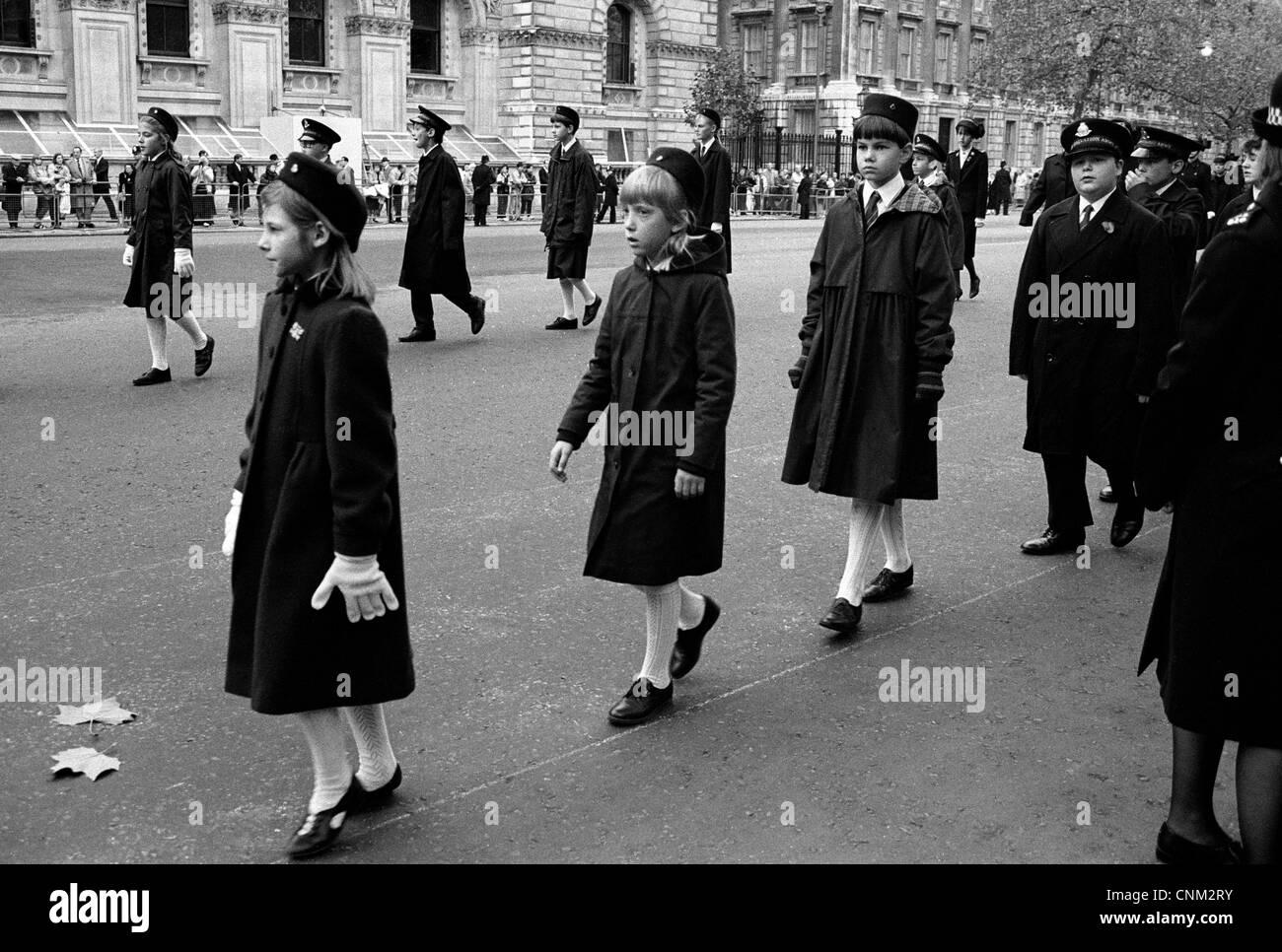 Junior Esercito della Salvezza membri marzo a Londra Immagini Stock
