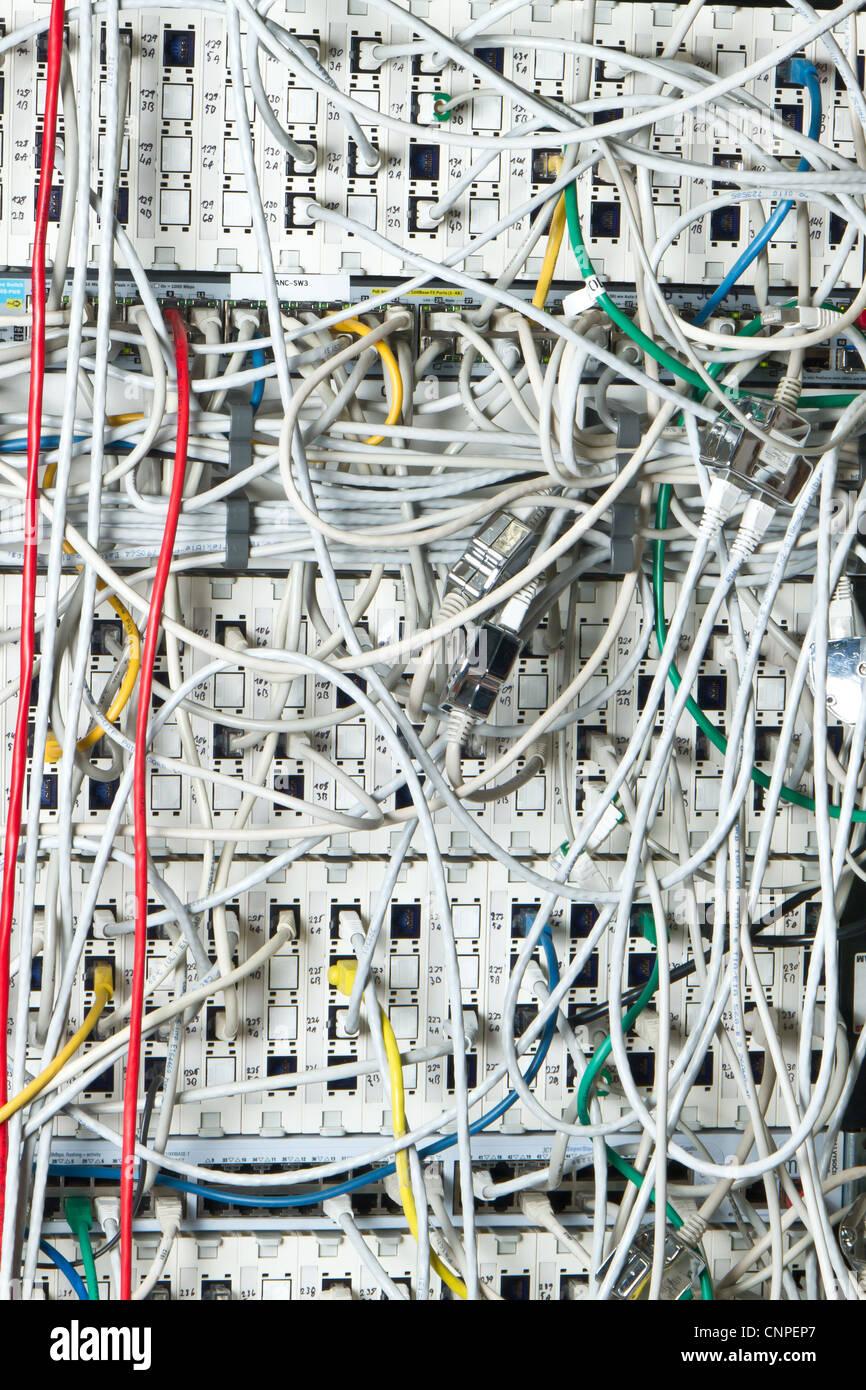 Concetto di infrastruttura di rete con cavi Immagini Stock