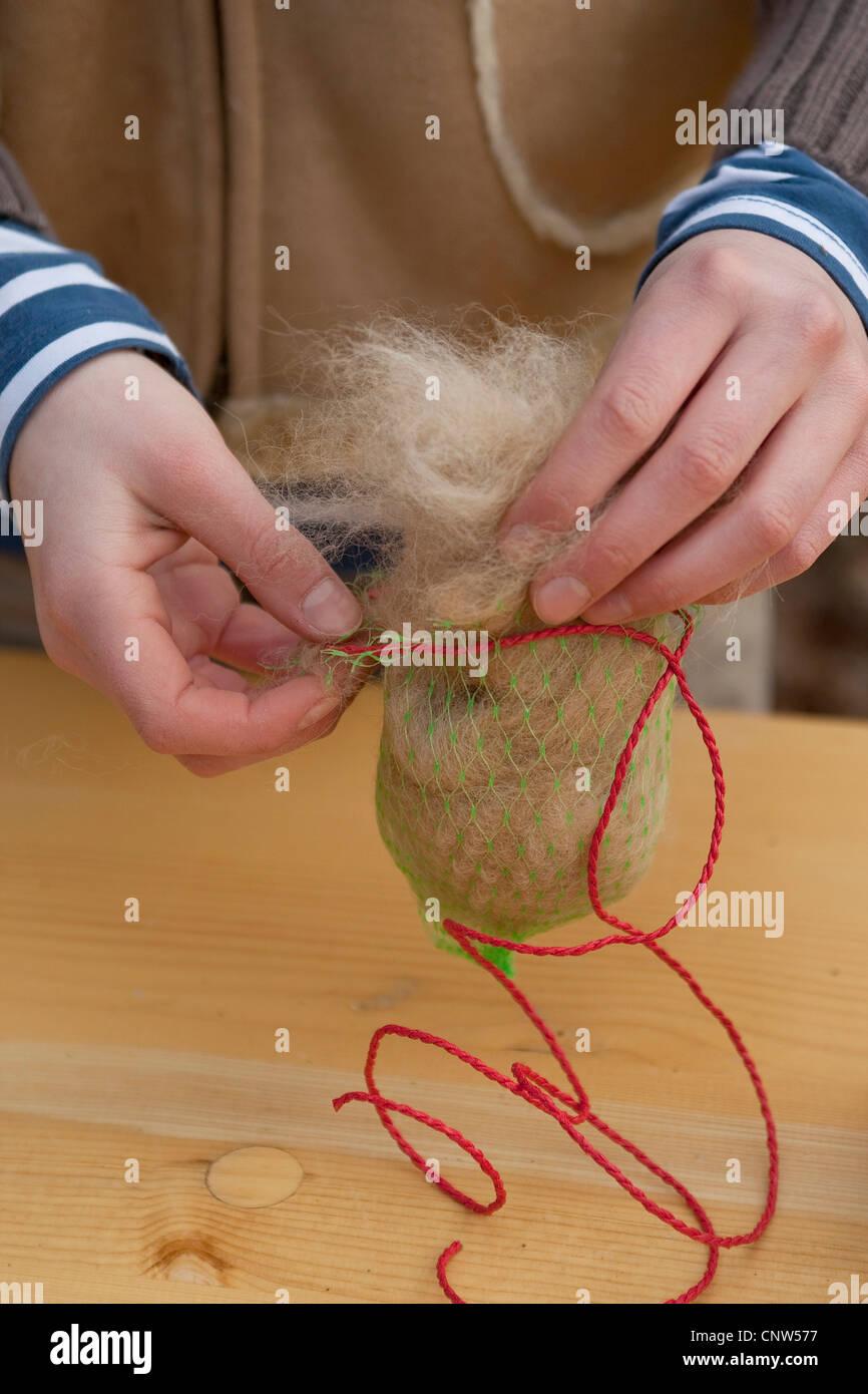 La costruzione di un distributore di materiale di nesting Immagini Stock