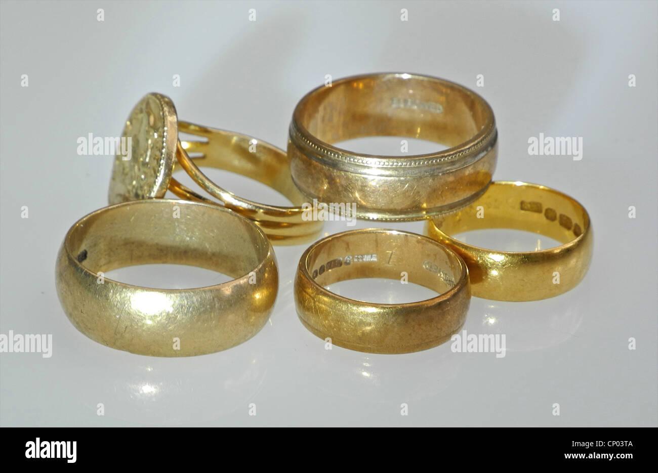 Cinque anelli di oro Immagini Stock