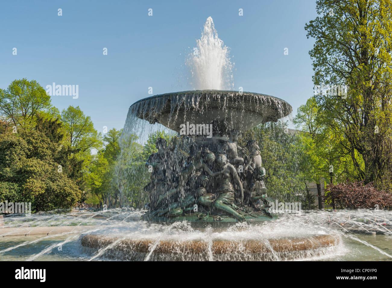 Fontana di acqua silenzioso, Albert Square, Dresda, Sassonia, Germania, Europa Immagini Stock