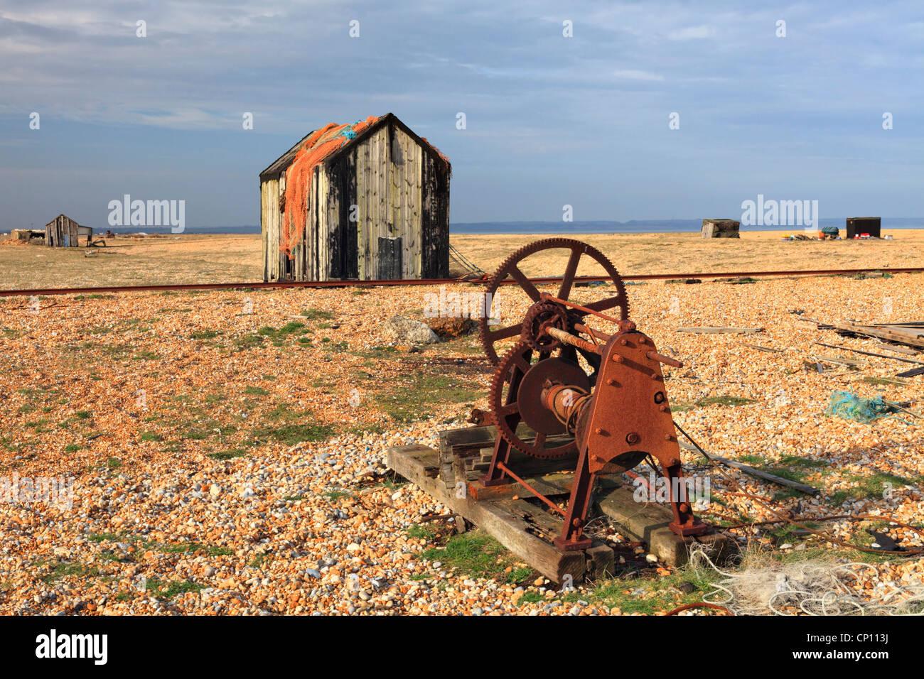 Macchinari abbandonati a Dungeness in west Kent Immagini Stock