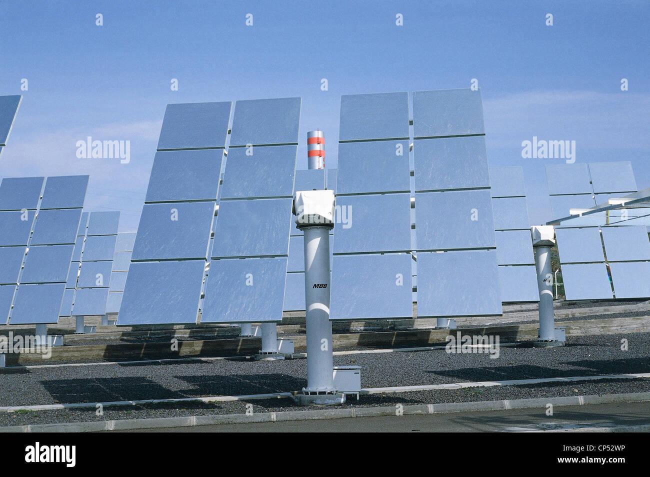 Energia Solare In Sicilia sicilia - adrano (ct). il campo specchi di energia solare