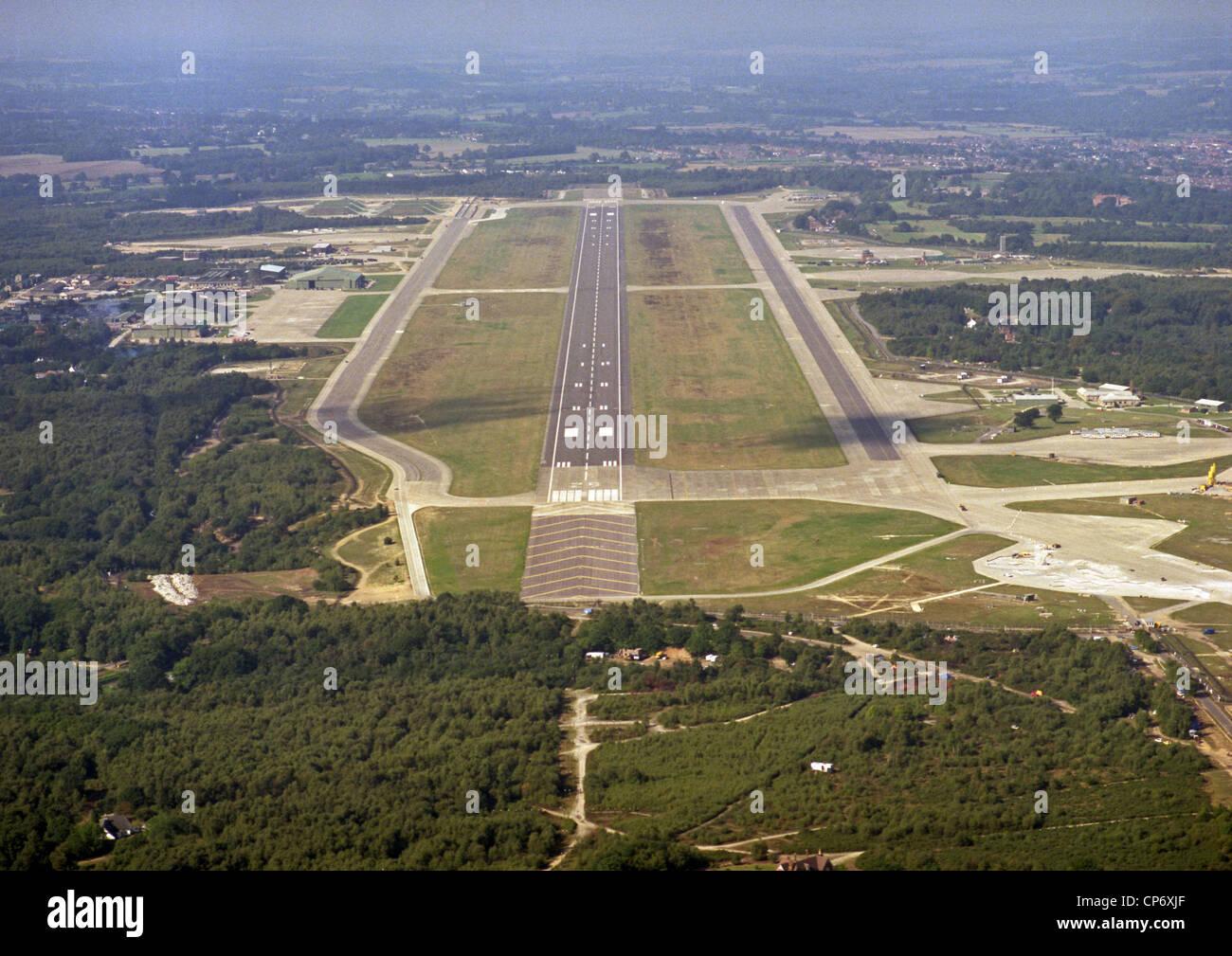 Storica Giugno 1986 vista aerea di Greenham Common ex campo di aviazione militare in Berkshire dove la pace manifestanti Immagini Stock
