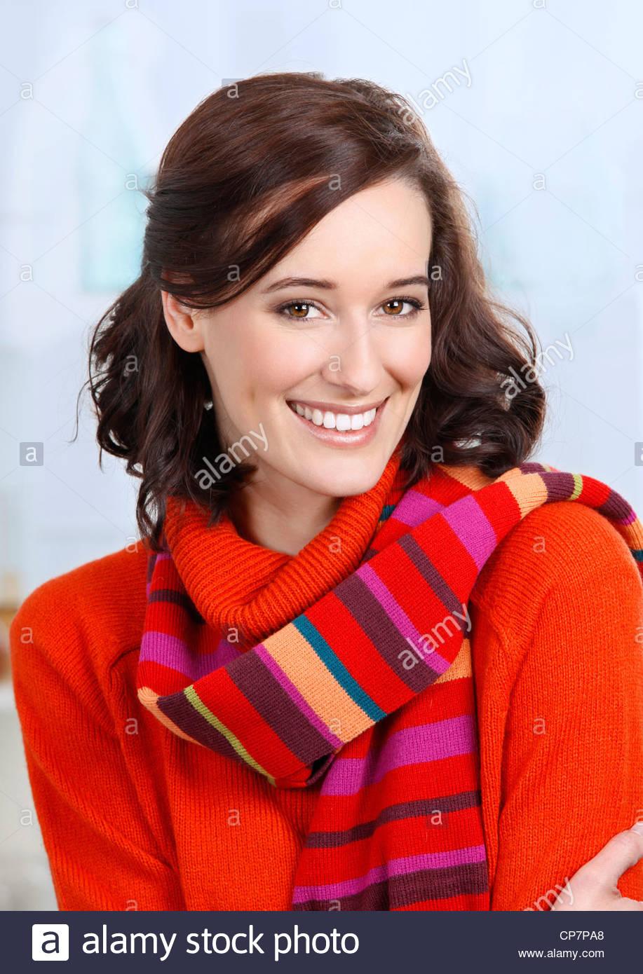 Ritratto di donna con sciarpa Immagini Stock