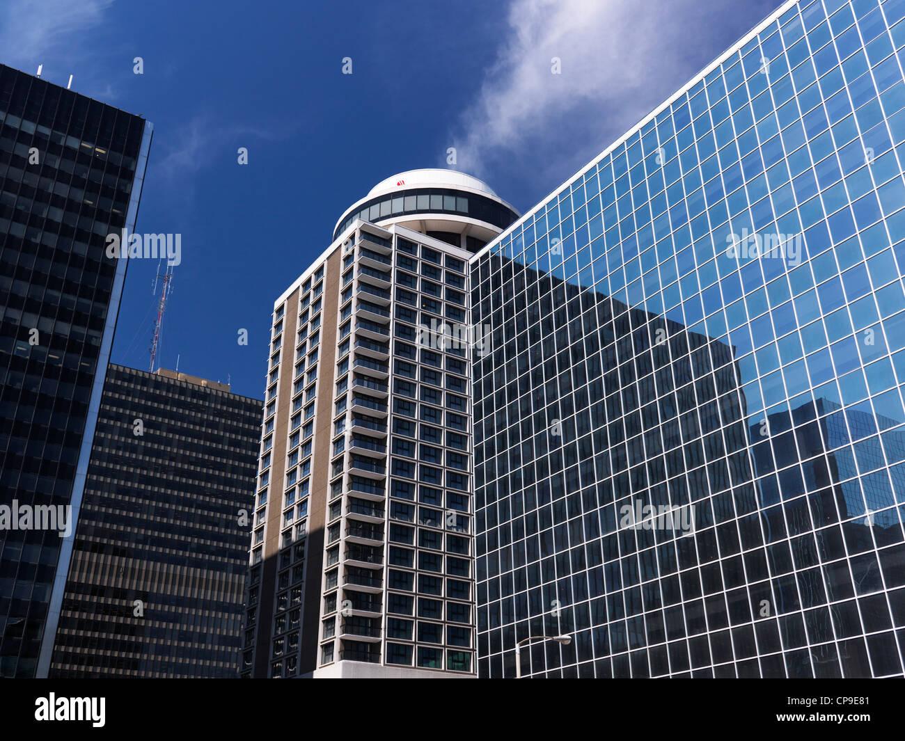 Centro cittadino di Ottawa torri. C. D. Howe edificio e Marriott Hotel sotto il cielo blu. In Ontario, Canada. Immagini Stock