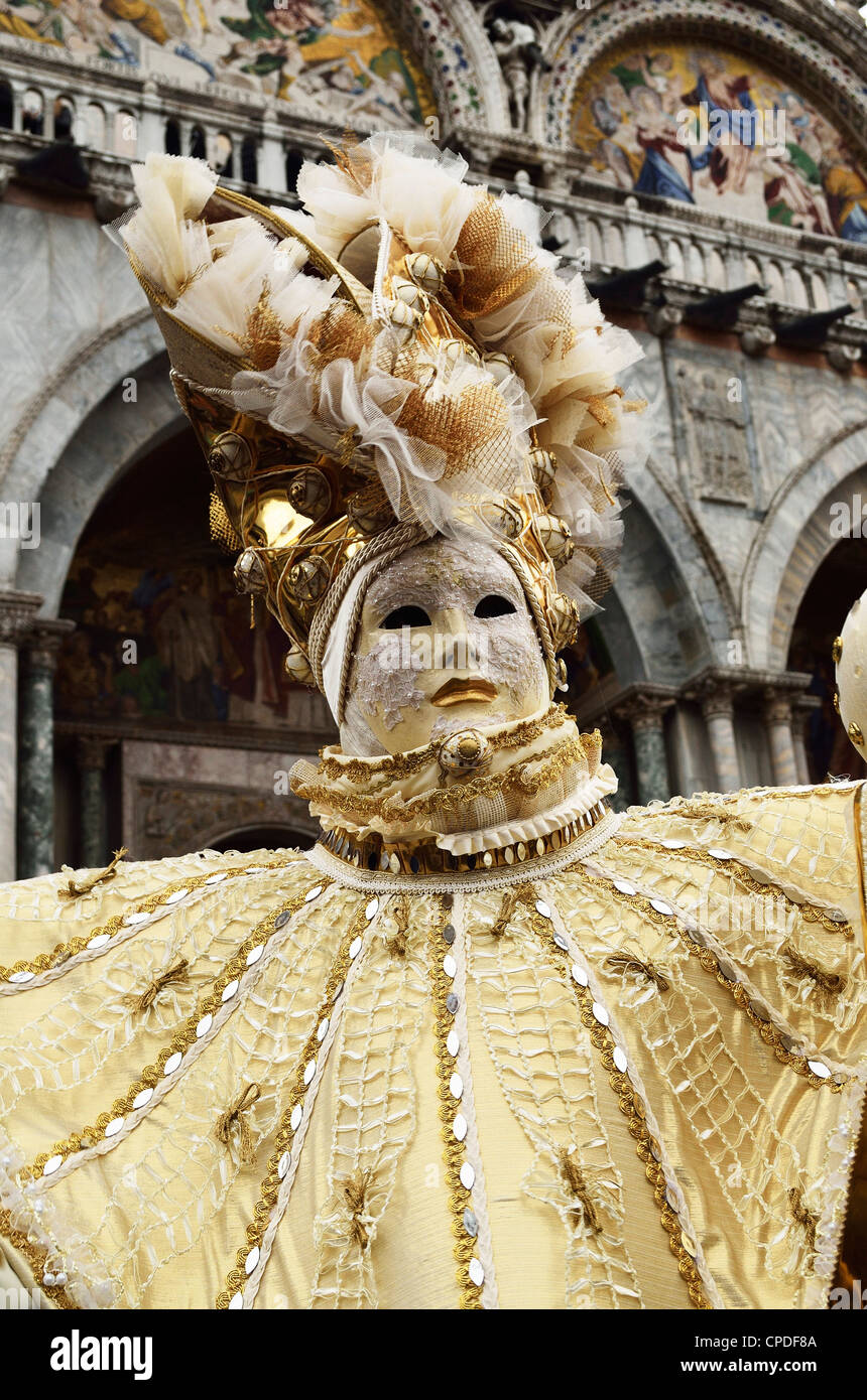 Figura mascherata in costume al Carnevale 2012, Venezia, Veneto, Italia, Europa Immagini Stock
