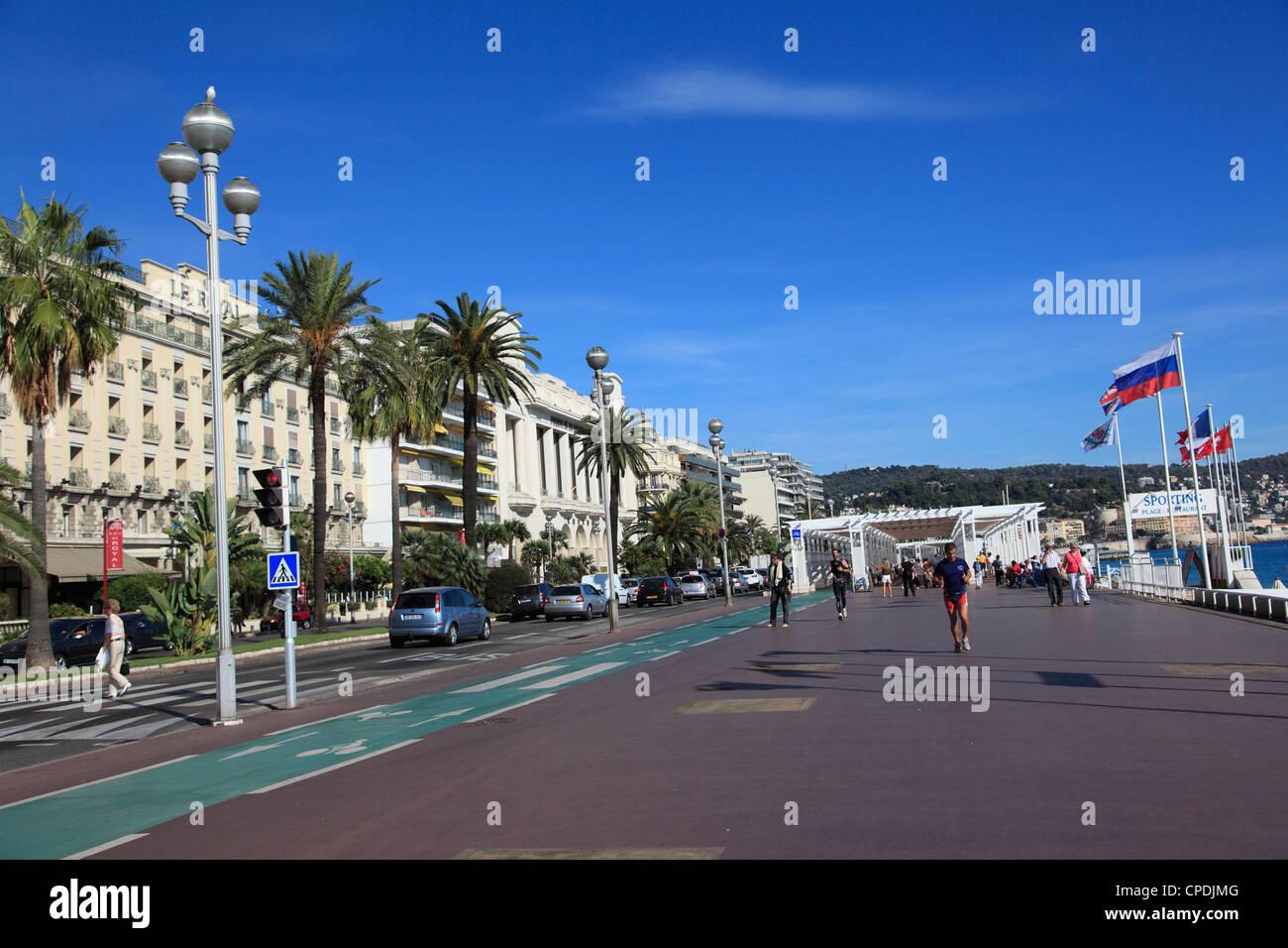 Promenade des Anglais, Nizza, Alpes Maritimes, Cote d'Azur, Riviera Francese, Provence, Francia Immagini Stock