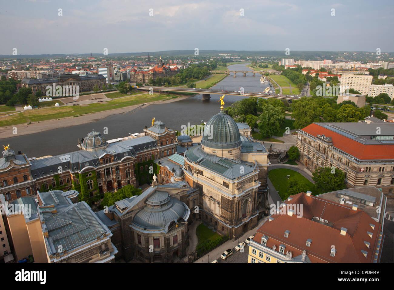 Vista sulla città e sul fiume Elba a Dresda, Sassonia, Germania, Europa Immagini Stock