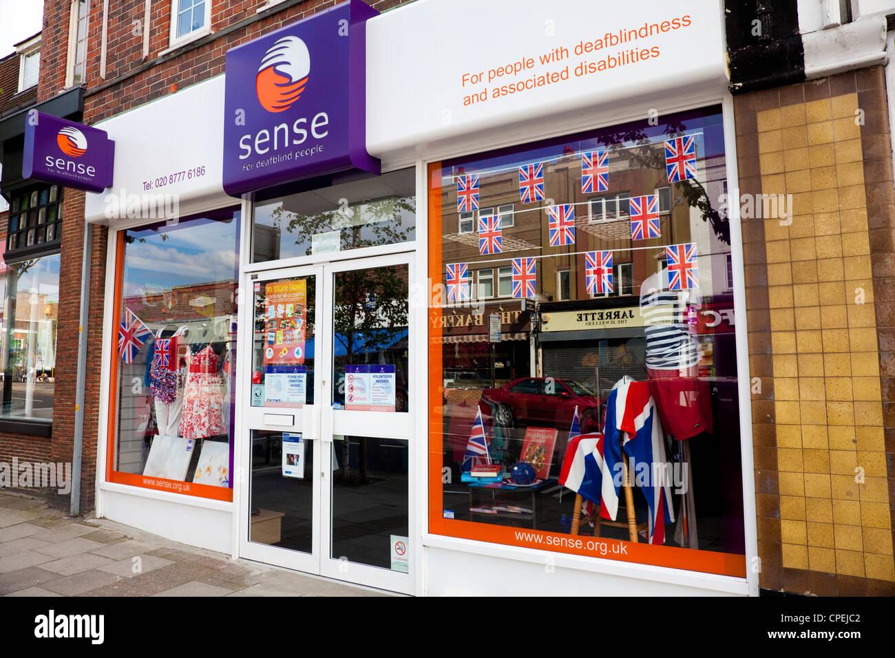 Negozio di fronte, senso, negozio di carità per le persone con disabilità deafbindness, London, Regno Immagini Stock