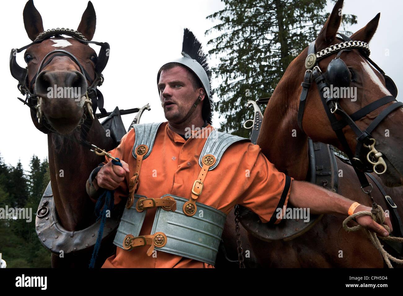 Personalizzato, tradizioni, costumi, Franche montagne, Auriga, gladiator, romana, cavalli, cavallo di razza, Saignelégier, Immagini Stock