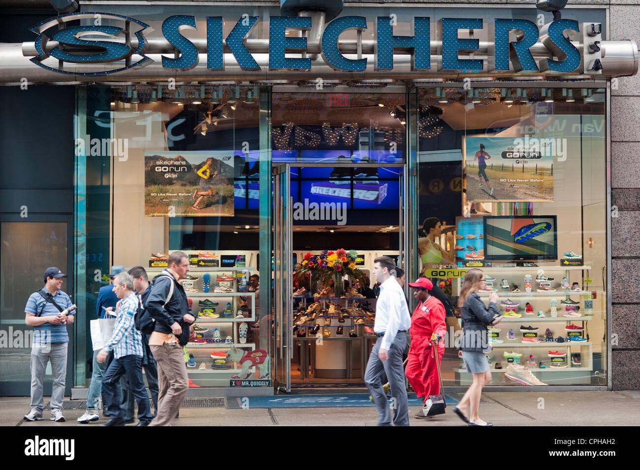 Un Skechers negozio di scarpe di Manhattan a New York Foto