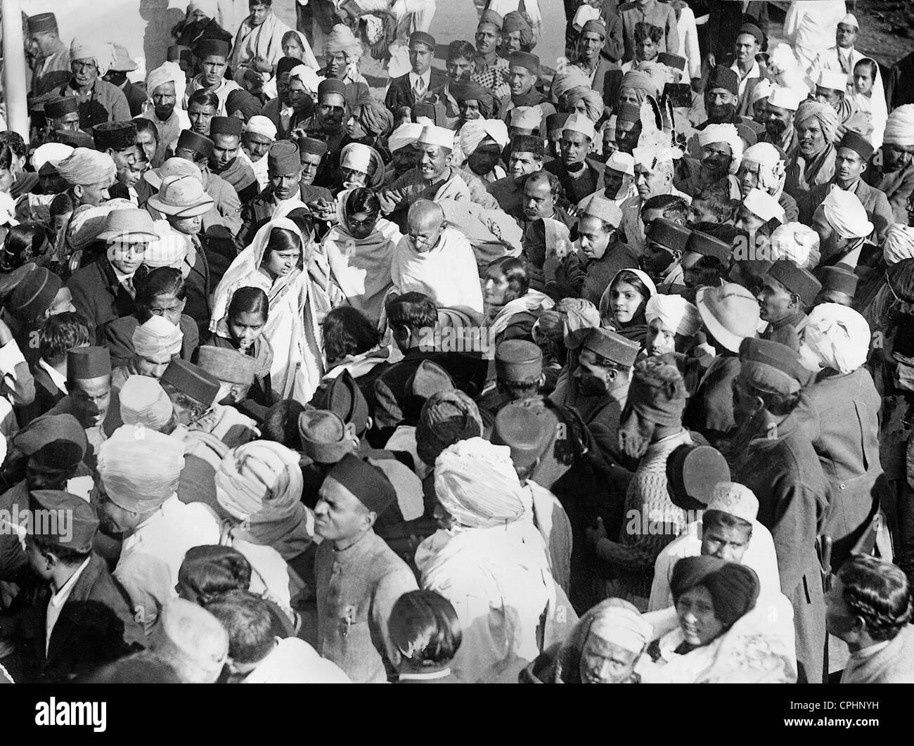 Il Mahatma Gandhi campaining per l'Indiano Movimento di Indipendenza, 1930 (foto b/n) Immagini Stock