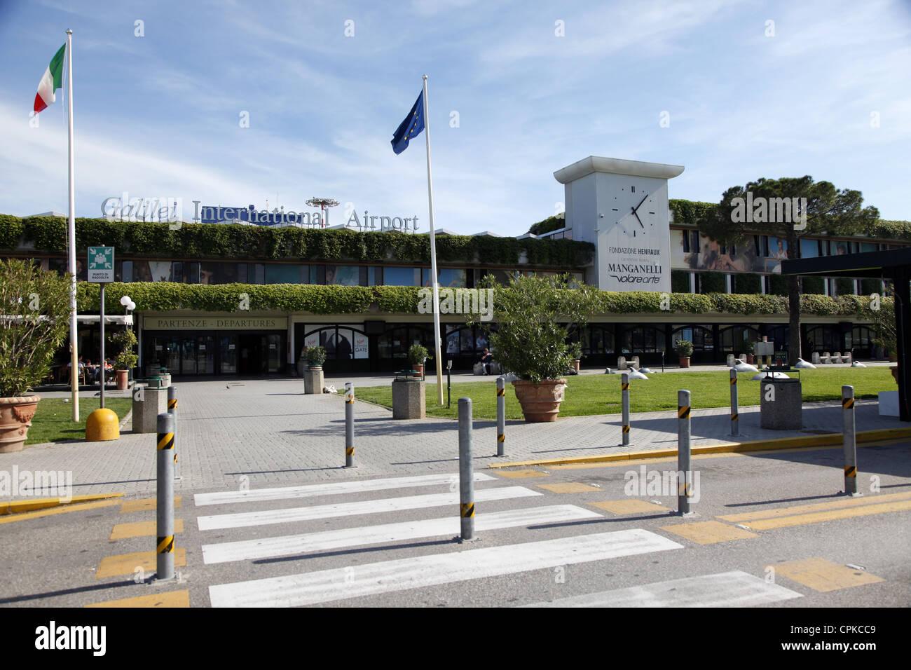 Aeroporto Pisa : Galilei aeroporto internazionale di pisa toscana italia maggio