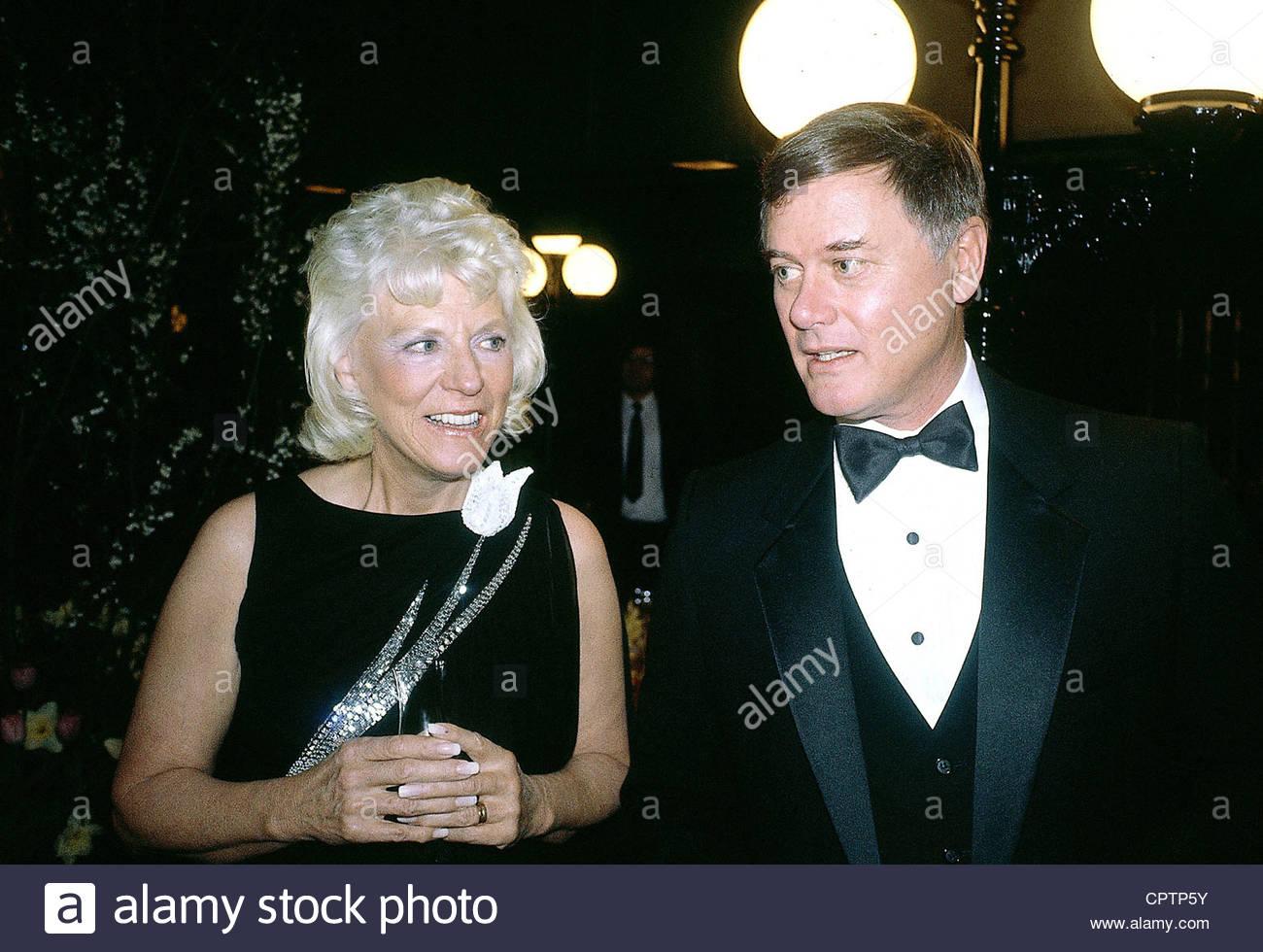 Hagman, Larry, * 21.9.1931, attore statunitense, ritratto, con sua moglie Maj Axlsson, a una festa, Monaco, 1982, Immagini Stock