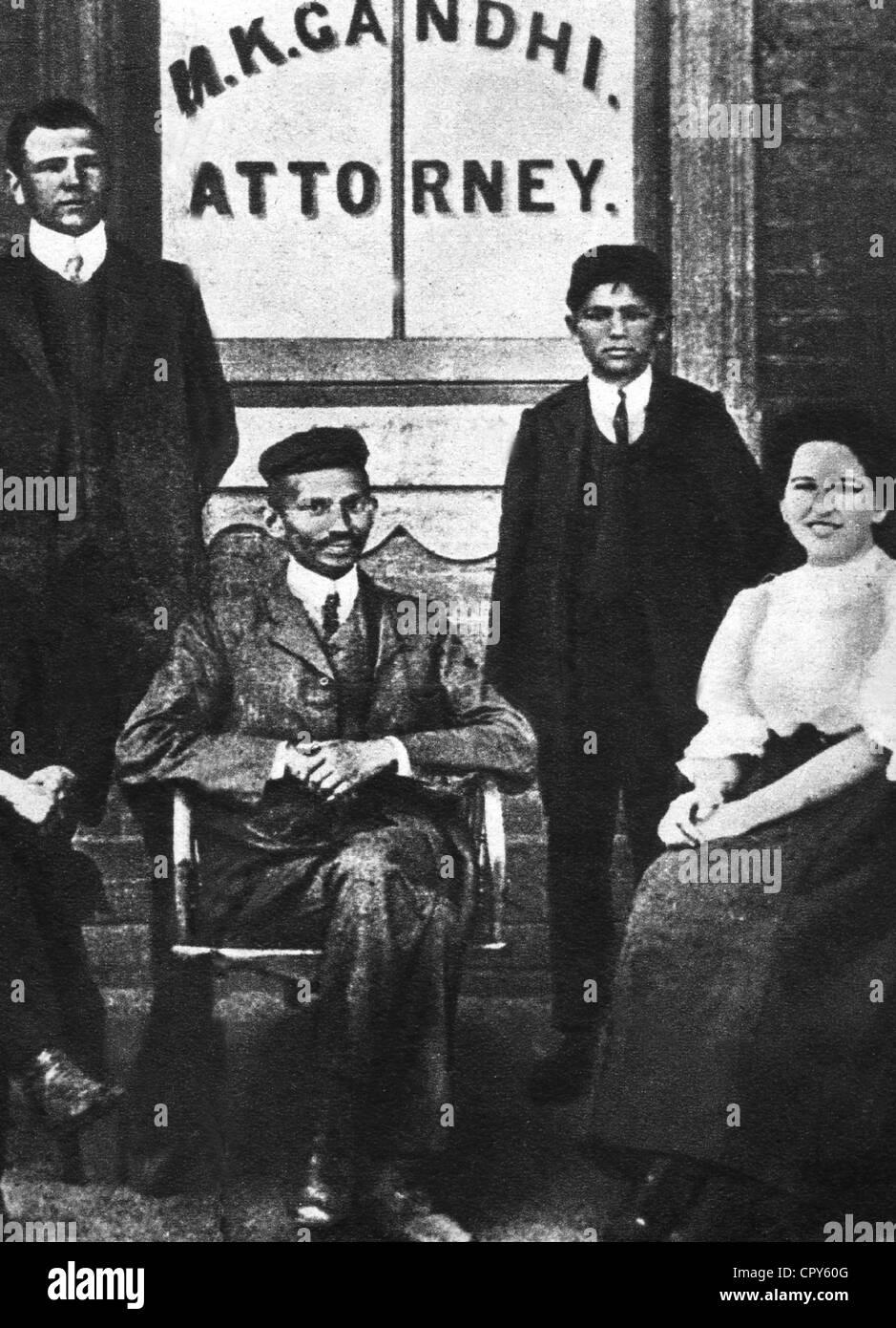 , Gandhi Mohandas Karamchand, chiamato mahatma, 2.10.1869 - 30.1.1948, uomo politico indiano, a lunghezza piena, Immagini Stock