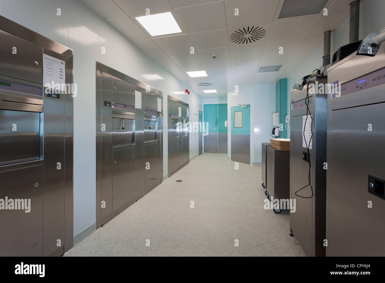 Royal Hospital di Bournemouth Unità Di Endoscopia. Strumento area di elaborazione - lato pulito Immagini Stock