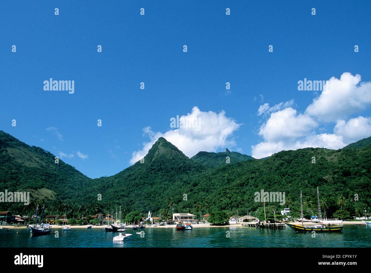 Il Brasile, Stato di Rio de Janeiro, Costa Verde, Ilha Grande, Vila do Abraao Village Immagini Stock