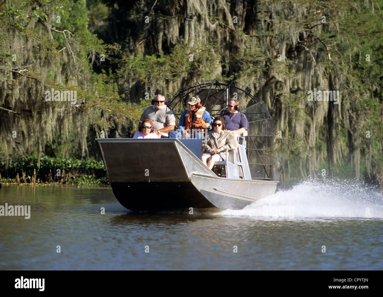 Stati Uniti, Louisiana, il Bayou Black, piatto speedboat Immagini Stock