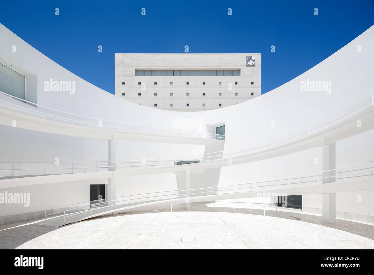 Granada Spagna Andalusia Museo della Memoria Andaluso di Alberto Campo Baeza. Piano superiore: ristorante del famoso Immagini Stock