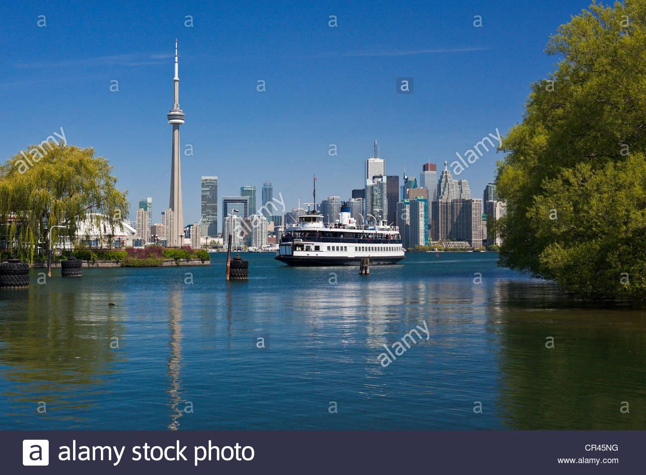 Toronto Island Park traghetto centro di avvicinamento isola dock con skyline della città sullo sfondo Toronto Immagini Stock