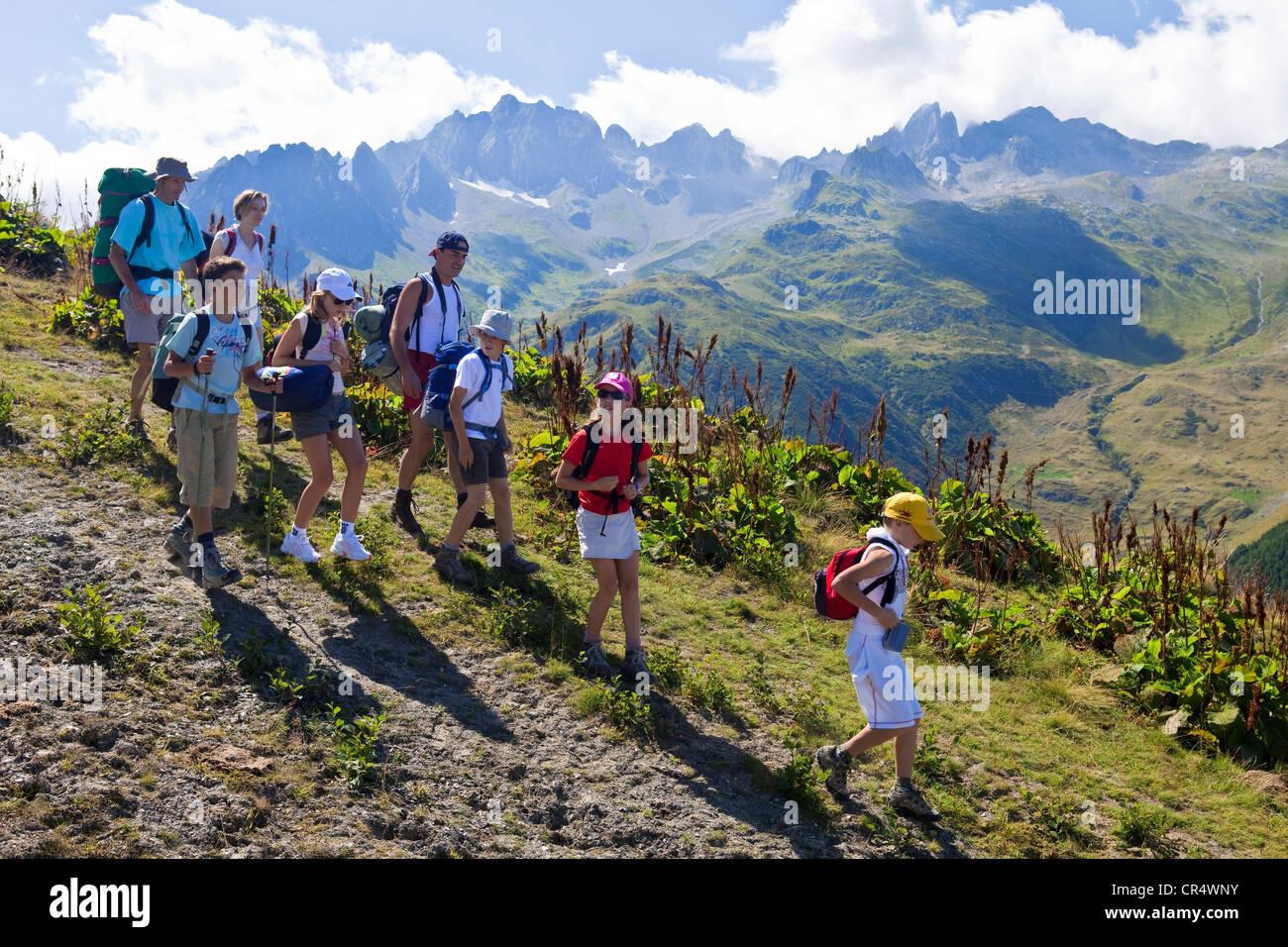Francia Savoie Valmorel escursione da Montagne de Tete a Cellier seggiovia per accedere Lauziere Massif de la Vanoise Immagini Stock