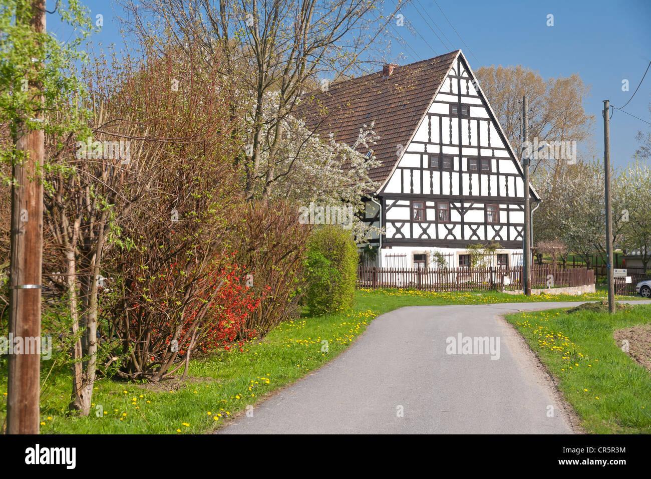 Community Center e il museo di tradizioni rurali, Neckanitz street, villaggio di Nackanitz, Lommatzsch, Lommatzscher Immagini Stock