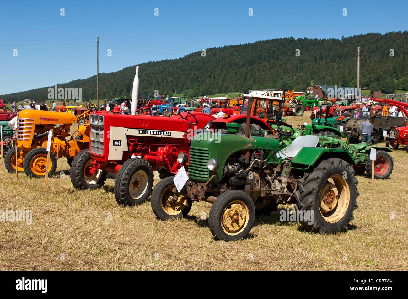Esposizione di trattori d'epoca e altri macchinari Tracto Mania, La Brevine, Neuchâtel Giura, Svizzera, Immagini Stock