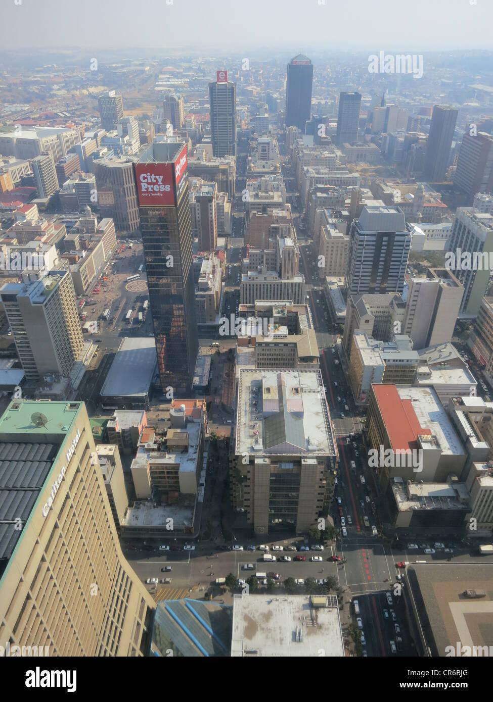 Vista del centro di Carlton, 50° piano, parte superiore dell Africa a Johannesburg, in Sud Africa. Vista dei Immagini Stock