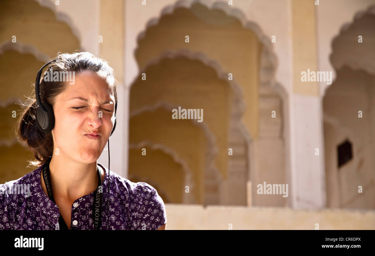 India Rajasthan, Jodhpur, turistico ascolto audio guida in Jodhpur Fort Immagini Stock
