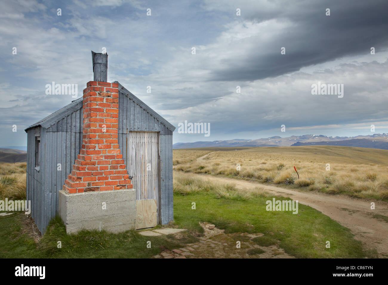 AA Capanna, Kopuwai Area di Conservazione, vecchio uomo gamma, Southland, Isola del Sud, Nuova Zelanda Immagini Stock