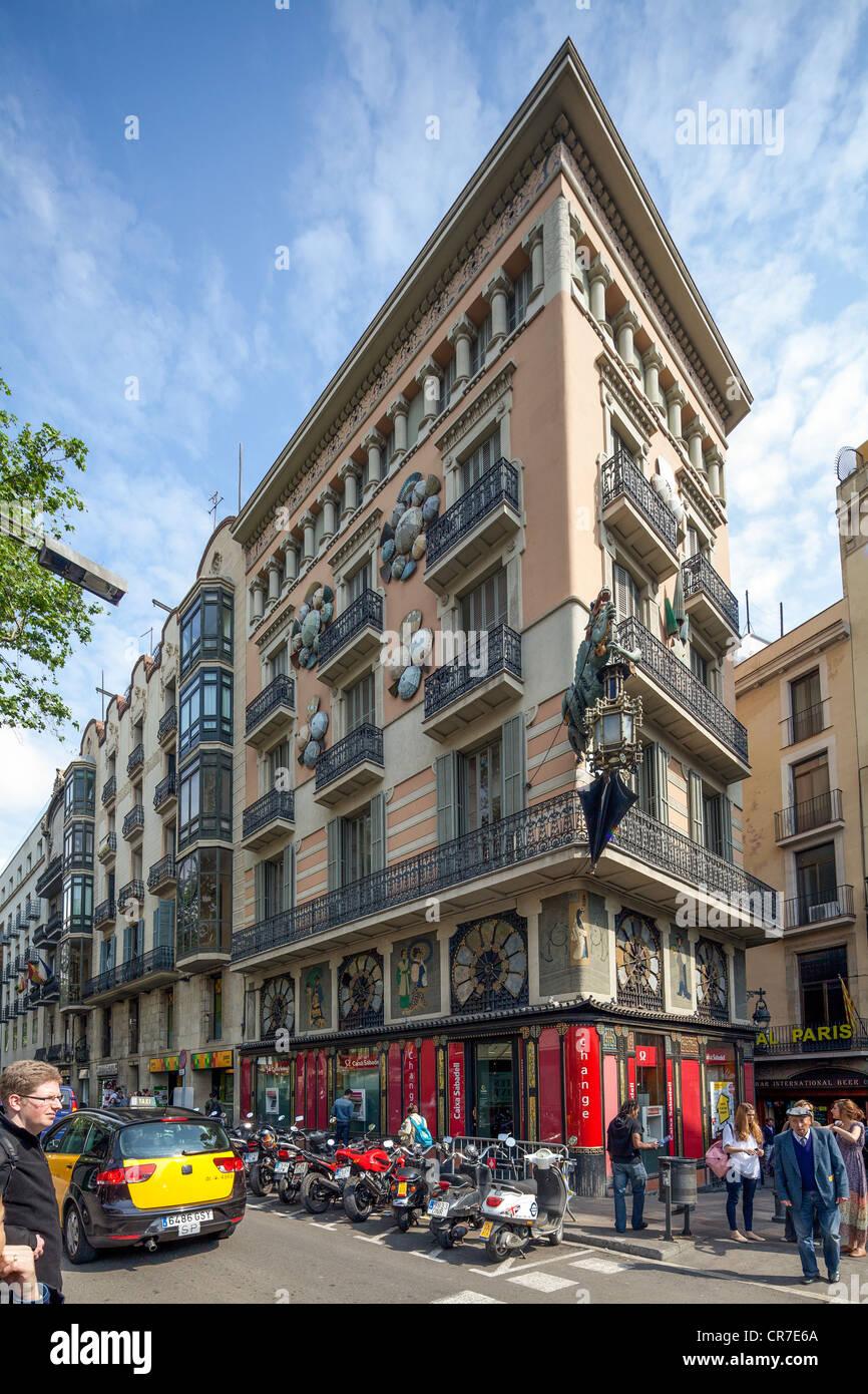 Dragon Casa sulle Ramblas, Las Ramblas, l'area pedonale, Barcellona, in Catalogna, Spagna, Europa Immagini Stock