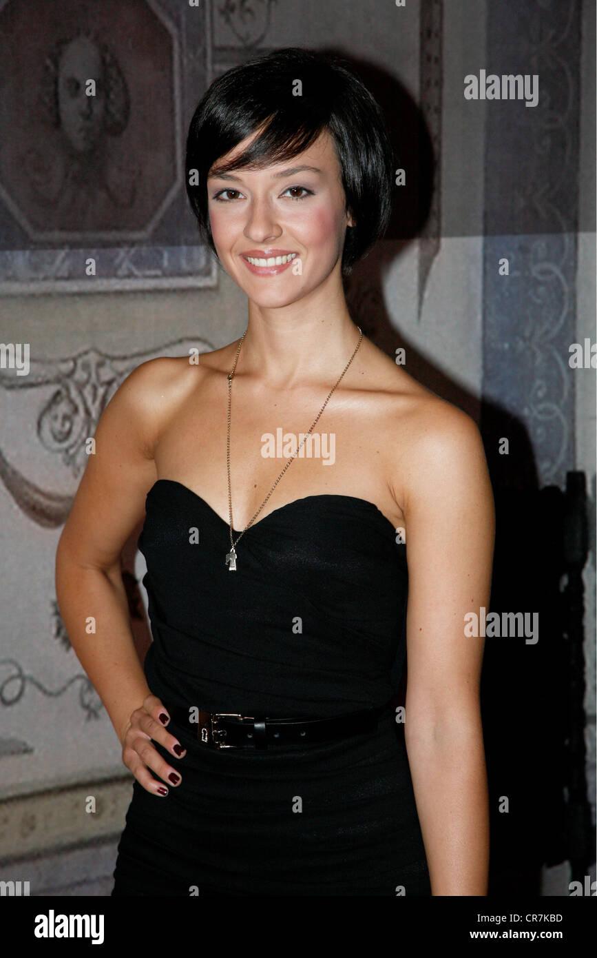 """Gastini, Marta, * 2.10.1989, attrice italiana, a mezza lunghezza e photocall per la ZDF SERIE TV """"Borgia"""", Immagini Stock"""