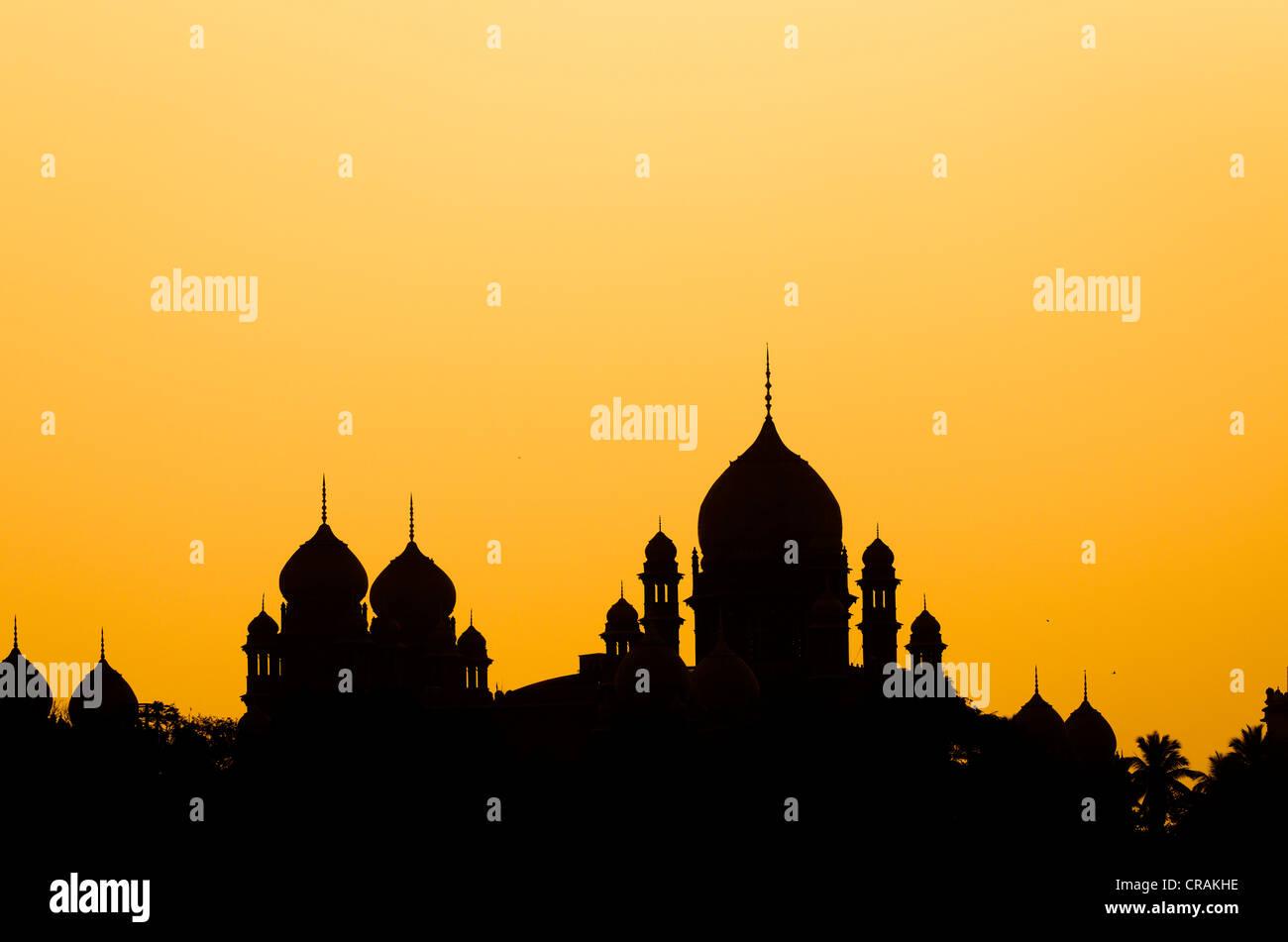 Sagome, cupole, Corte Suprema, Hyderabad, Andhra Pradesh, India meridionale, India, Asia Immagini Stock
