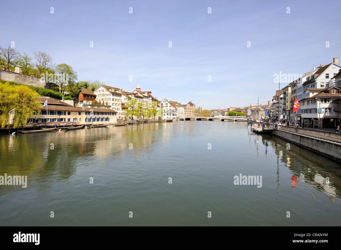 Zurigo, vista del fiume Limmat, quartiere Schipfe, del Cantone di Zurigo, Svizzera, Europa Immagini Stock