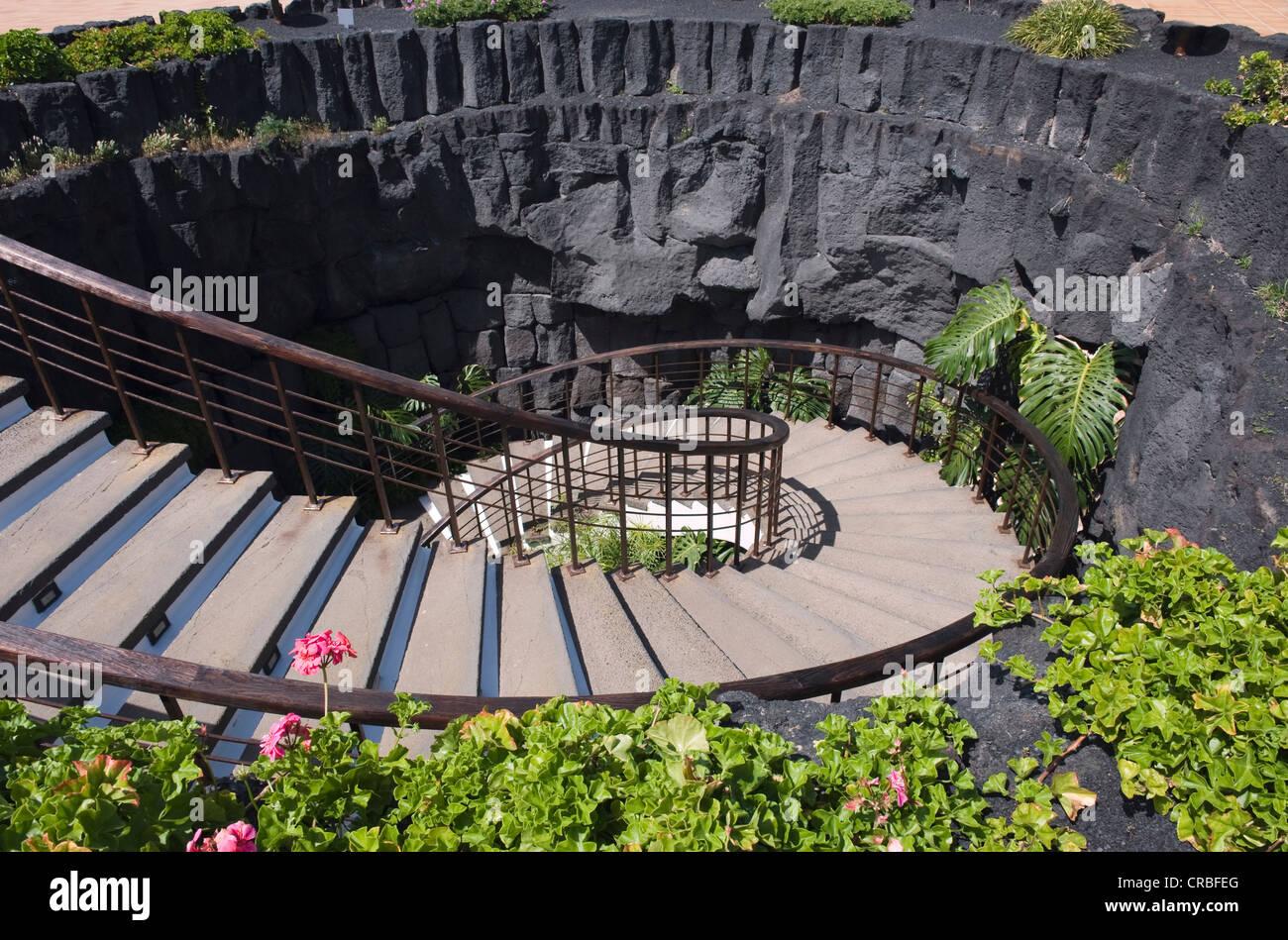 Scala a chiocciola che conduce verso il basso in una grotta di lava, Casa Museo del Campesino farm museum, Mozaga, Immagini Stock